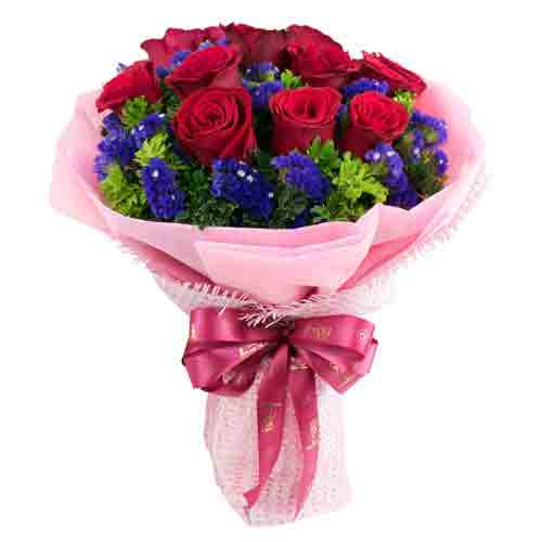 Hearty Valentine Love Round Bouquet