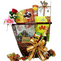 Juicy Entertainers Gift Hamper of Assortments<br/>