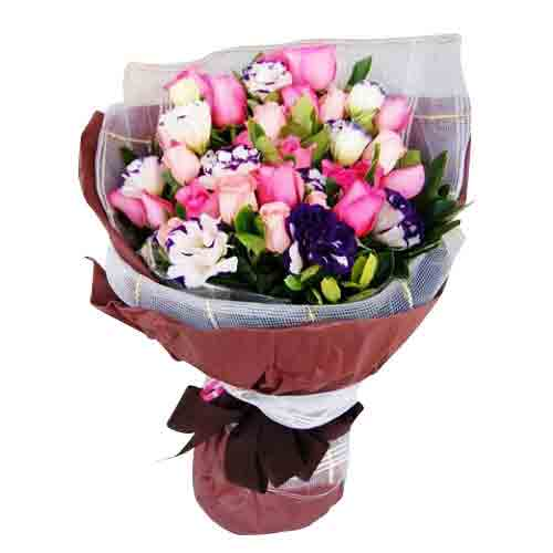 Attention-Getting Flower Arrangement for Big Celebration
