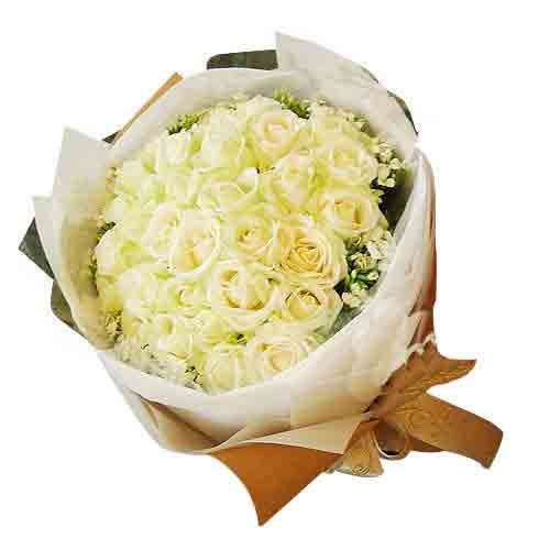 Charming Arrangement of White Roses<br/>