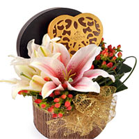 Special Heart Shaped Box with Fresh Flowers <br/>