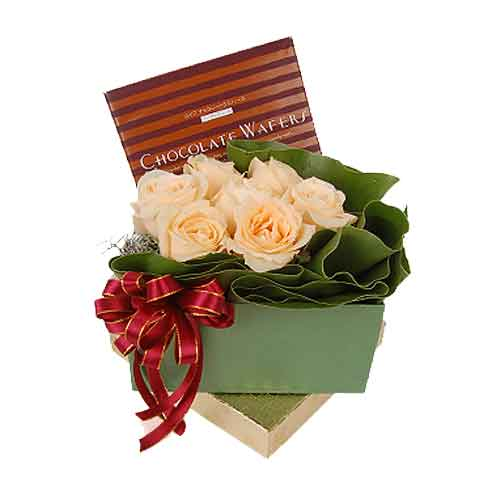 Marvelous Roses and Chocolate Gift Box