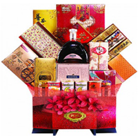 Attractive Everlasting Gift Hamper of Assortments