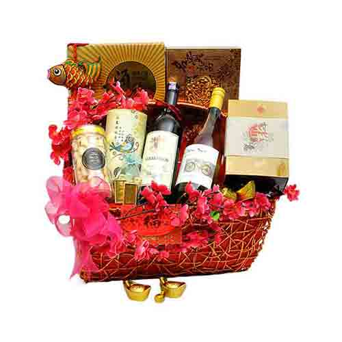 Delicate Gift Hamper for Bright Celebration
