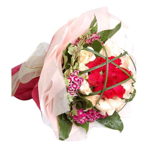 Exotic Pure passion Bouquet of 24 Blossoming Red Roses