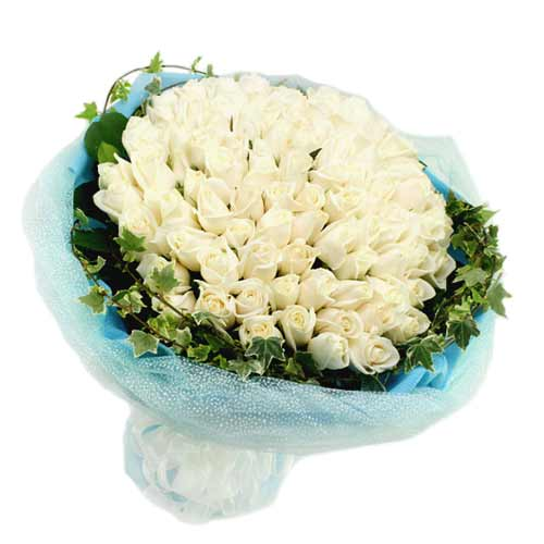 Stunning White Color Fifty Roses Bunch