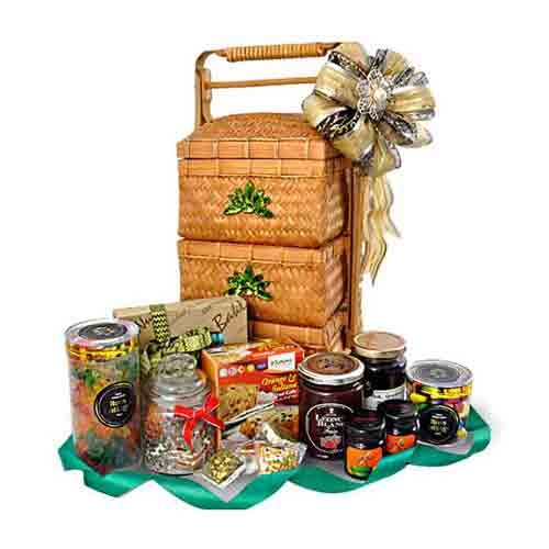 Holiday Delight Fruits, Nuts �N �Preserves Gift Basket