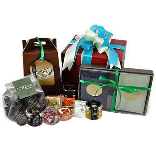 Yummy Delicacy Gift Basket for Season